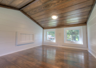 "Cypress ceiling and floor <br/><span class=""gallery-courtesy"">Courtesy Craig Hudson Photography</span>"